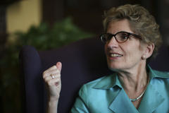 kathleen wynne prepares for campaign trail as budget looms: cohn